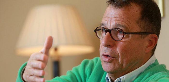 """El duro análisis de Sebastián Edwards: """"Hay una situación política tan malograda que va a ser muy difícil salir adelante"""""""